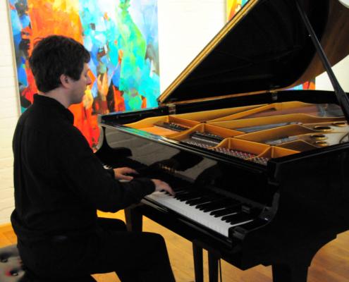 Benefizkonzert für eine Familie in Not - Pianist Daniel Fritzen